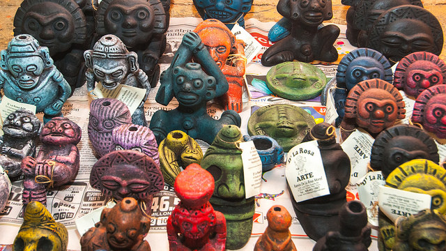 Artesanías en barro inspiradas  taínos